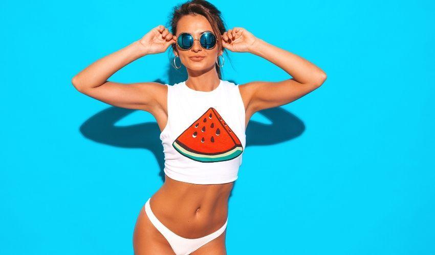 HOT babe pe Instagram – Iata ce costume de baie cu bikini sa alegi