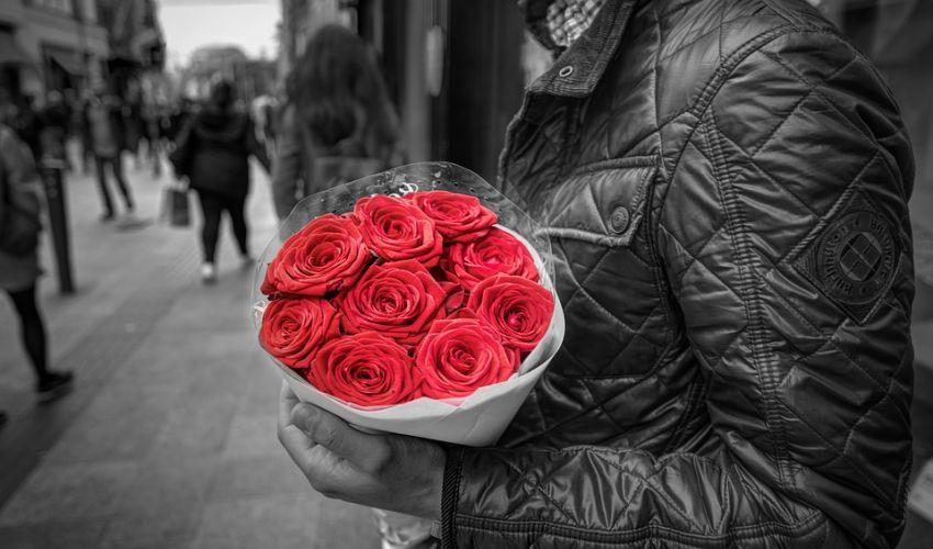 24 de Idei de cadouri de Valentine's Day pentru El - Iata cum iti poti surprinde iubitul