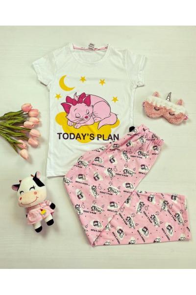 Pijama dama bumbac lunga cu pantaloni roz si tricou alb cu imprimeu Today's plan