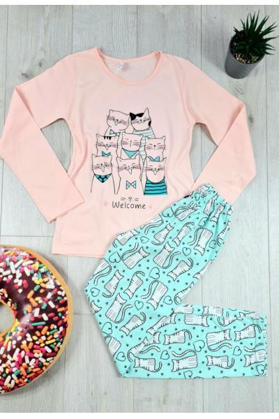 Pijama dama ieftina bumbac cu pantaloni albastri si bluza cu maneca lunga roz cu imprimeu pisicute