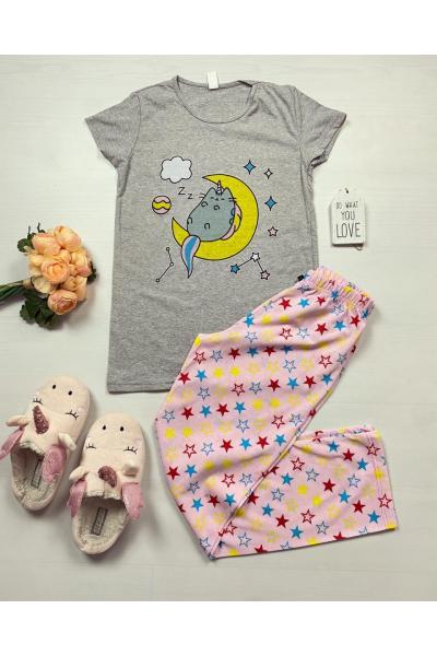 Pijama dama ieftina bumbac cu pantaloni lungi roz si tricou gri cu imprimeu Luna