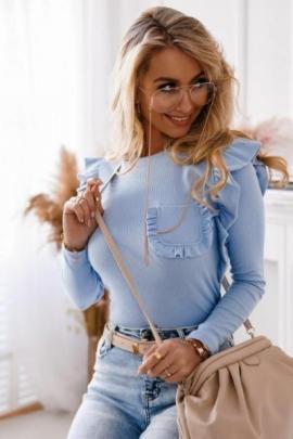 Bluza dama basic albastru deschis reiata cu buzunar si volanase