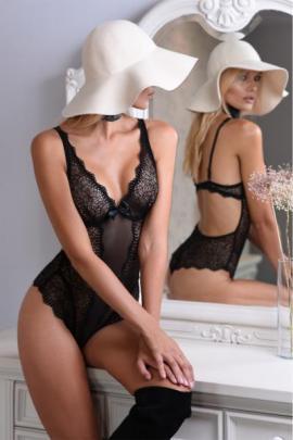 Body seducator Mia