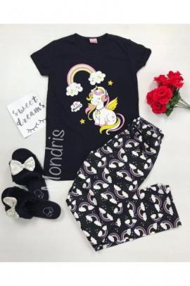 https://www.just4girls.ro/pijama-dama-ieftina-bumbac-lunga-cu-pantaloni-lungi-bleumarin-si-tricou-negru-cu-imprimeu-unicorn-music-22907.html