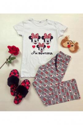 Pijama dama ieftina din bumbac cu tricou alb si pantaloni gri cu imprimeu Minnie I'm Bowtiful