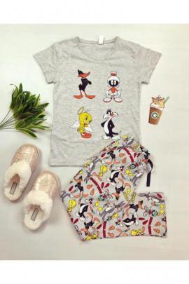 https://www.just4girls.ro/pijama-dama-ieftina-din-bumbac-cu-tricou-gri-si-pantaloni-gri-cu-imprimeu-personaje-disney-23125.html