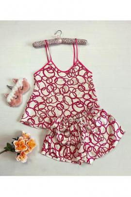 Pijama dama ieftina primavara-vara alba din satin lucios cu cercuri roz inchis