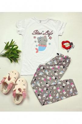 https://www.just4girls.ro/pijama-dama-ieftina-primavara-vara-cu-tricou-alb-si-pantaloni-gri-cu-imprimeu-star-life-97397.html