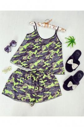 https://www.just4girls.ro/pijama-dama-ieftina-primavara-vara-gri-cu-verde-din-satin-lucios-cu-imprimeu-army-97933.html