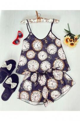https://www.just4girls.ro/pijama-dama-ieftina-primavara-vara-neagra-din-satin-lucios-cu-imprimeu-ceas-97934.html
