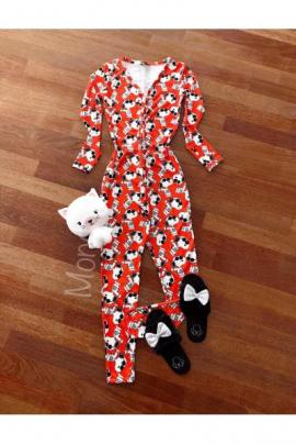 Pijama dama tip salopeta lunga rosie cu maneca lunga si imprimeu Snoopy